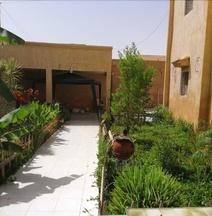 Auberge Samiraa - Hostel