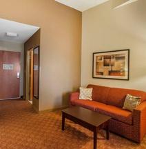 Comfort Suites Suffolk – Chesapeake