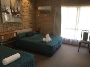Mulga Country Motor Inn