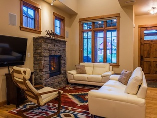 Bozeman - The Legends Chalet