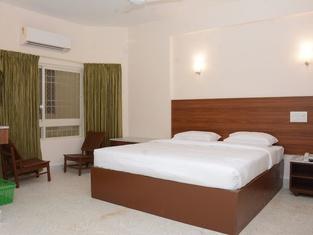 Sreeparthi Hotel