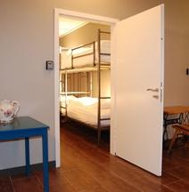 Tehúsið Hostel