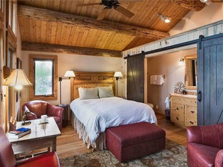Mountain High Chalet - Quintessential Deluxe Cabin - Spectacular Views!