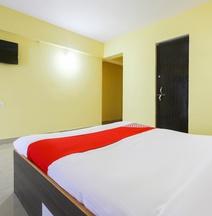 Oyo 42908 S.G.Mote Hotel