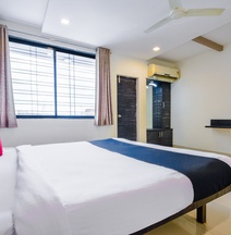Hotel Amrit Residency