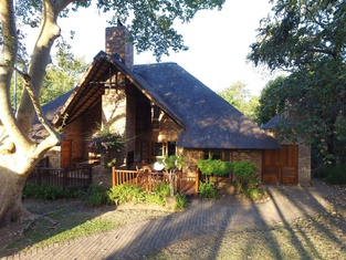 Legend Safaris - Kruger Park Lodge