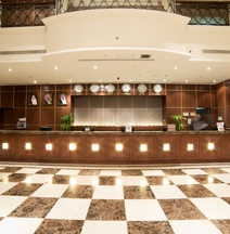 クラウン プラザ ホテル アル コバール