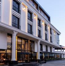 B&C Hotel