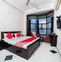 OYO 47364 Hotel Aman