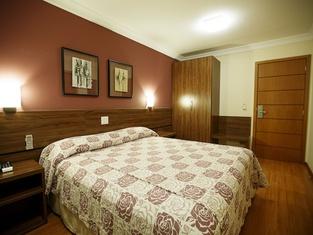 Eston Hotel