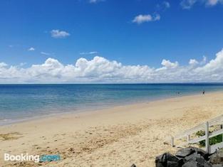 Walk to Beach Queenslander Home in CBD Hervey Bay