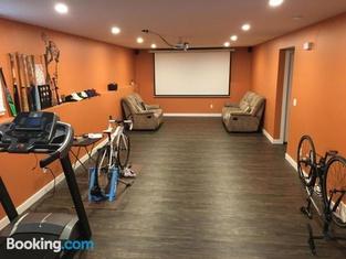 Red Deer Private Room