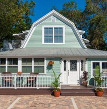 SeaGlass Inn Bed and Breakfast