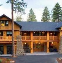 FivePine Lodge