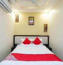 OYO 29832 Hotel Trishla
