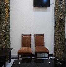 OYO 43957 Lahore Hotel