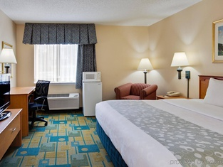 La Quinta by Wyndham Tampa Fairgrounds - Casino