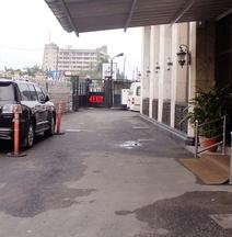 Garden City Marriott Hotel