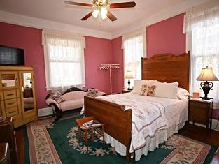 Brackenridge House Bed & Breakfast