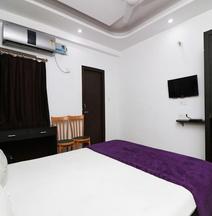 Spot ON 42243 Hotel Shubh Sarthak