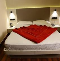 Hotel Aangan Regency