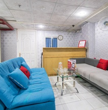 RedDoorz Plus Near Tan Dinh Market