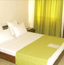 Hotel H1