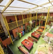 Ecopackers Hostels