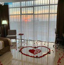 City Plaza Hotel & Suites