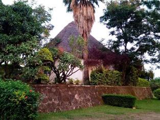 Victoria Gardens & Safaris