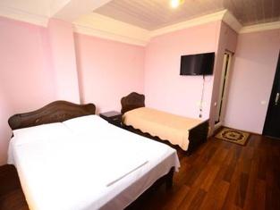 Hotel Peria