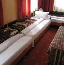 納契米酒店
