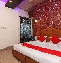 Oyo 41953 Hotel Trinity East