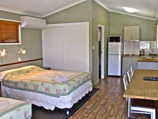 Barcaldine Country Motor Inn