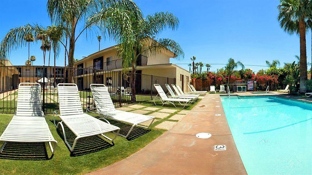 7 Springs Inn & Suites