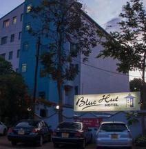 Bluehut Hotel