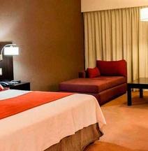 Howard Johnson Hotel & Casino