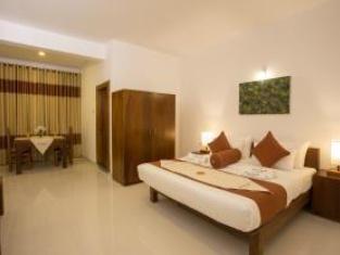 Grand Camellia Hotel