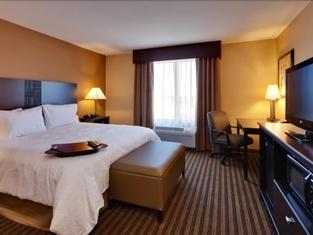 Hampton Inn & Suites Fresno - Northwest