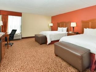 ハンプトン イン シカゴ-キャロル ストリーム ホテル