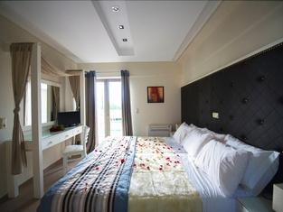 Mantinia Bay Hotel