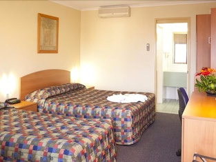 SureStay Hotel by Best Western Karinga Motel