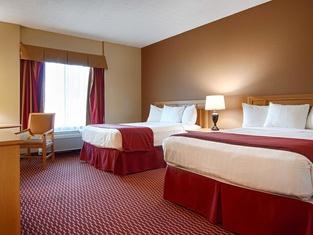 โรงแรมชัวร์สเตย์ พลัส บายเบสท์เวสเทิร์น สนามบินซีราคิวส์