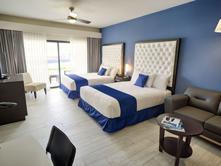 Medano Hotel and Suites