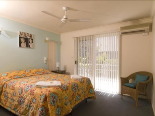 Bayshores Holiday Apartments