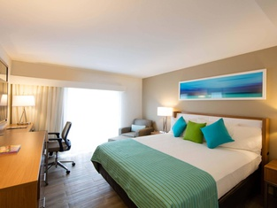Courtyard by Marriott Nassau Downtown/Junkanoo Beach