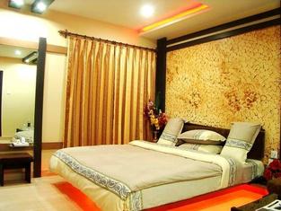 The Amarjeet Hotel