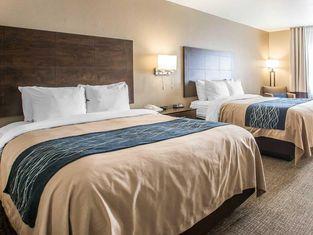 Comfort Inn & Suites Waterloo – Cedar Falls
