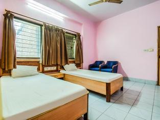 Spot ON 43695 Hotel Sandhya Premium