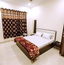 Hotel TT Residency